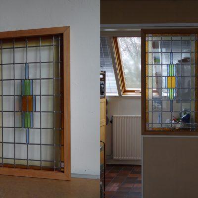 glas in lood raam passend in gemaakte houten omlijsting