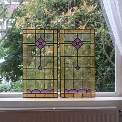 de 2 nieuwe glas in lood ramen